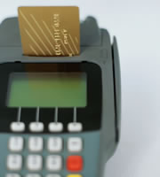 Rewards credit card rates move lower