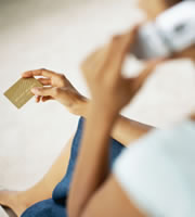 Report focuses on African-American credit card use, debt